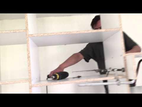 видео: Как сделать самому шкаф купе. Подготовительные операции для установки верхней полки