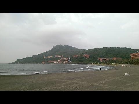 Sizihwan Beach 西子湾 高雄