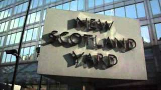 New Scotland Yard Sign - complete rotation