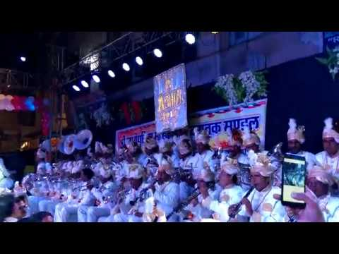 खेलन दो गणगौर भंवर म्हाने पूजन दो गिनगौर भारत के प्रसिद्ध बैंड के द्वारा लाइव प्रस्तुति