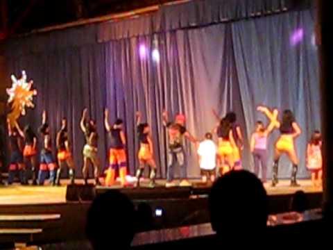 The Dreams Entertainment Team Dance