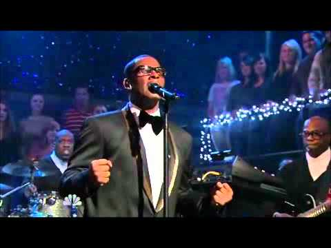 R. Kelly - When A Woman Loves (Live On Late Night With Jimmy Fallon)