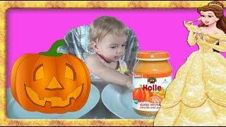 Mancare pentru BEBE vs Mancare reala la Anabella Show  Provocare cu:pentru Bebelusi