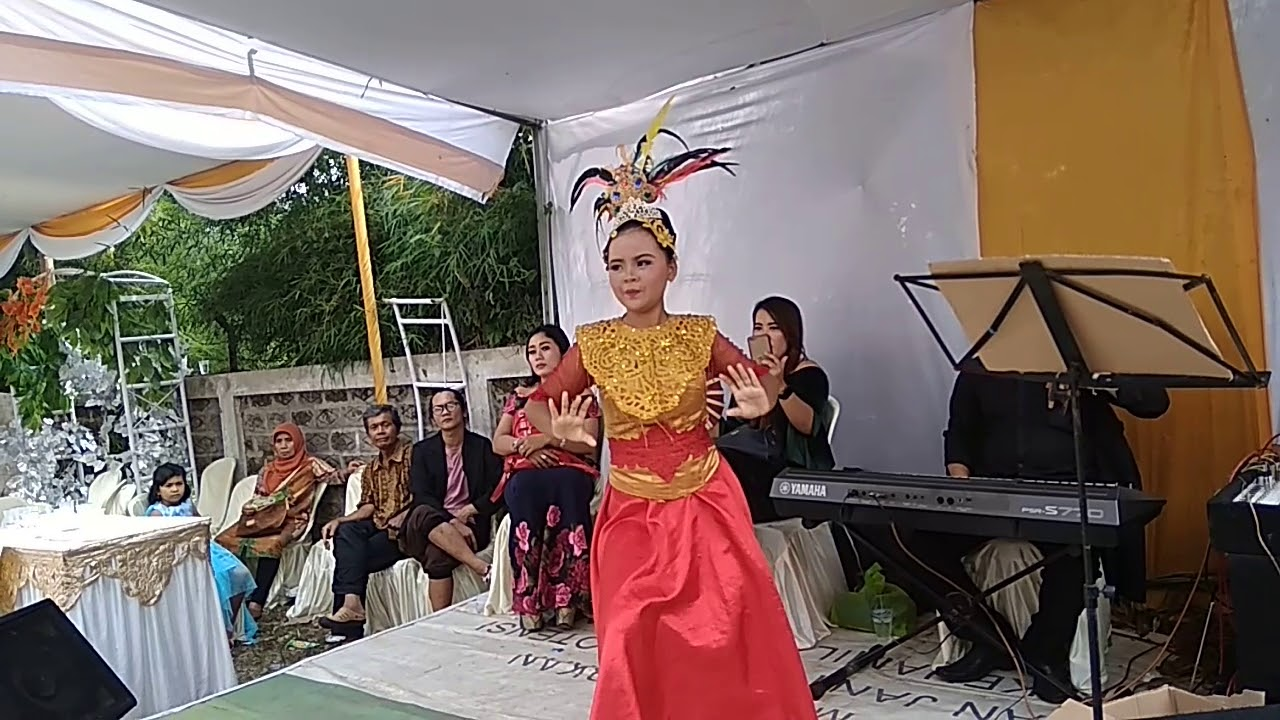 Tari jaipong budaya Sunda - YouTube