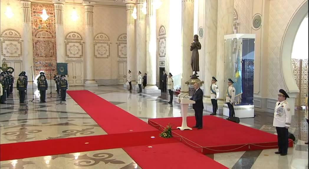Штандарт Президента Казахстана поднят в Астане