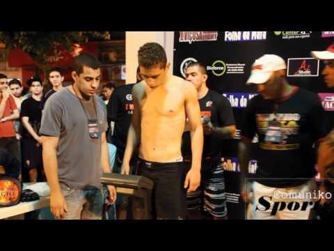 PESAGEM 1 VIÇOSA FIGHT MMA PRAÇA COMUNIKO SPORTSwmv