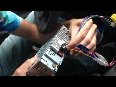 Renault Clio 2 : changer le poste radio