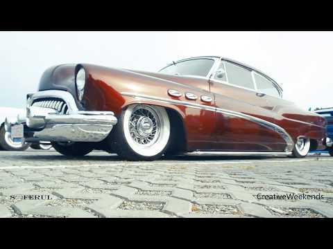 RETRO AMERICAN MUSCLE CARS