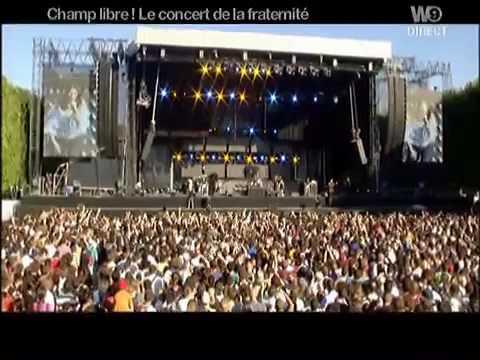 Laura Pausini - Tra Te E Il Mare (HQ) Paris 14.07.2007).mp4