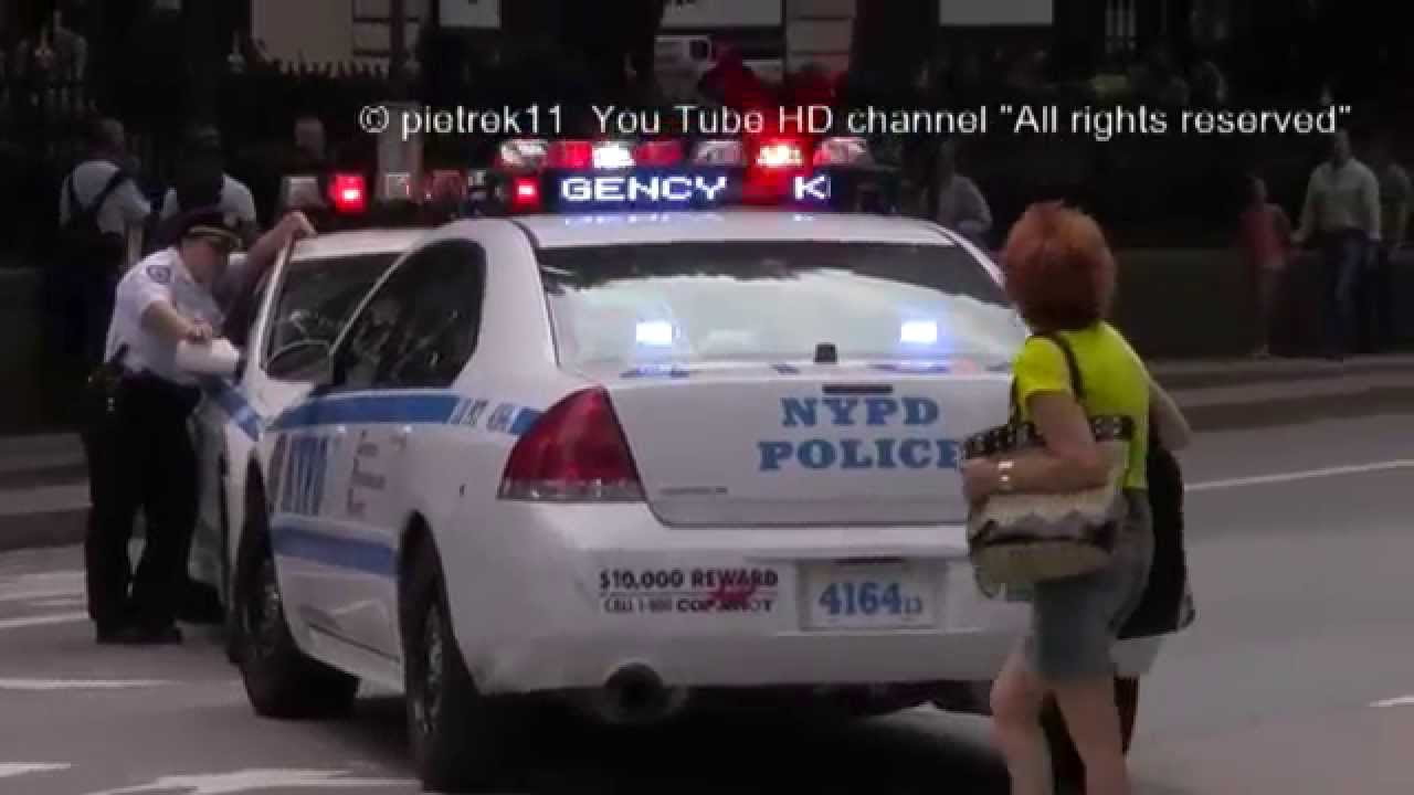Car accident NYPD police cars New York emergency vehicle lighting 2014 HD ©