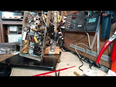 Marconi 201A AM and Shortwave Radio Video #5 - Third Capacit