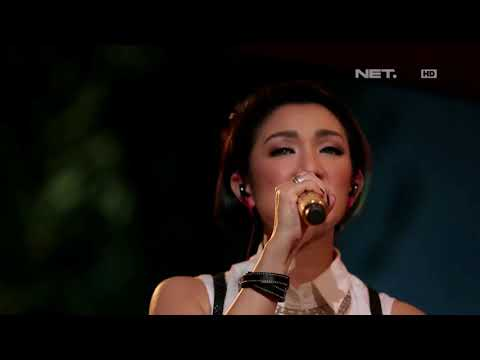 Melly Mono - Uptown Funk ( Cover ) - Spesial Performance at Music Everywhere