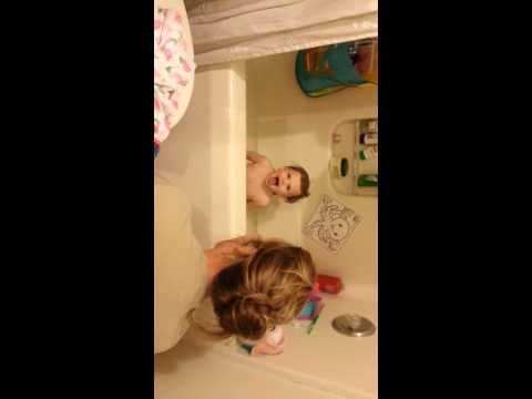 Eva laughing v and pooing in the tub!