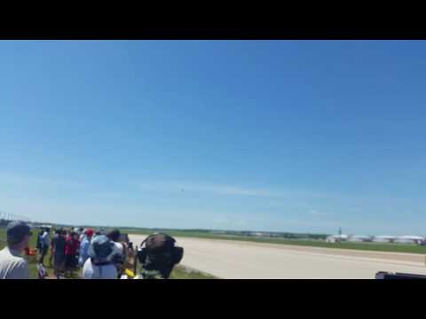 Fort Worth Air Power Expo pt9-F16 sneak pass