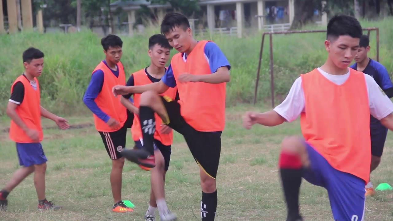 Bài khởi động   Đội tuyển bóng đá trường tập luyện   2018.12.20.(01)