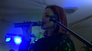 Belinda Carlisle Live At The Highfeild Inn Part 2