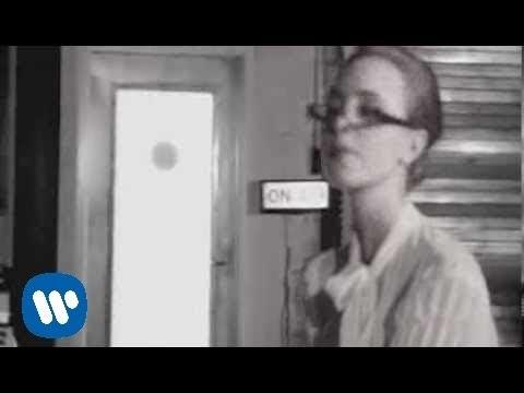 Laura Pausini - Non sono lei (Official Video)