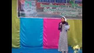 Fujiah baca Puisi Maulid Nabi SAW th 1435H 2014 di MTs Islamiyah Palangka Raya Kalteng