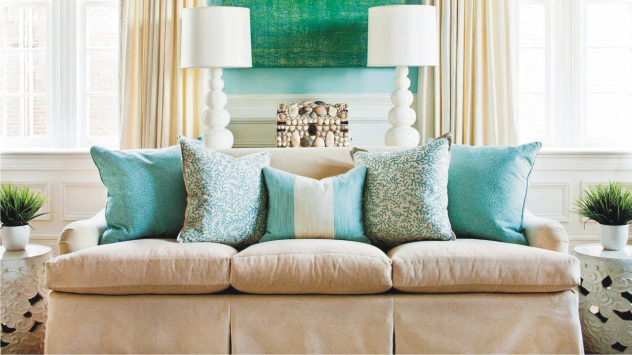 decorative pillow arrangement with a charming layout