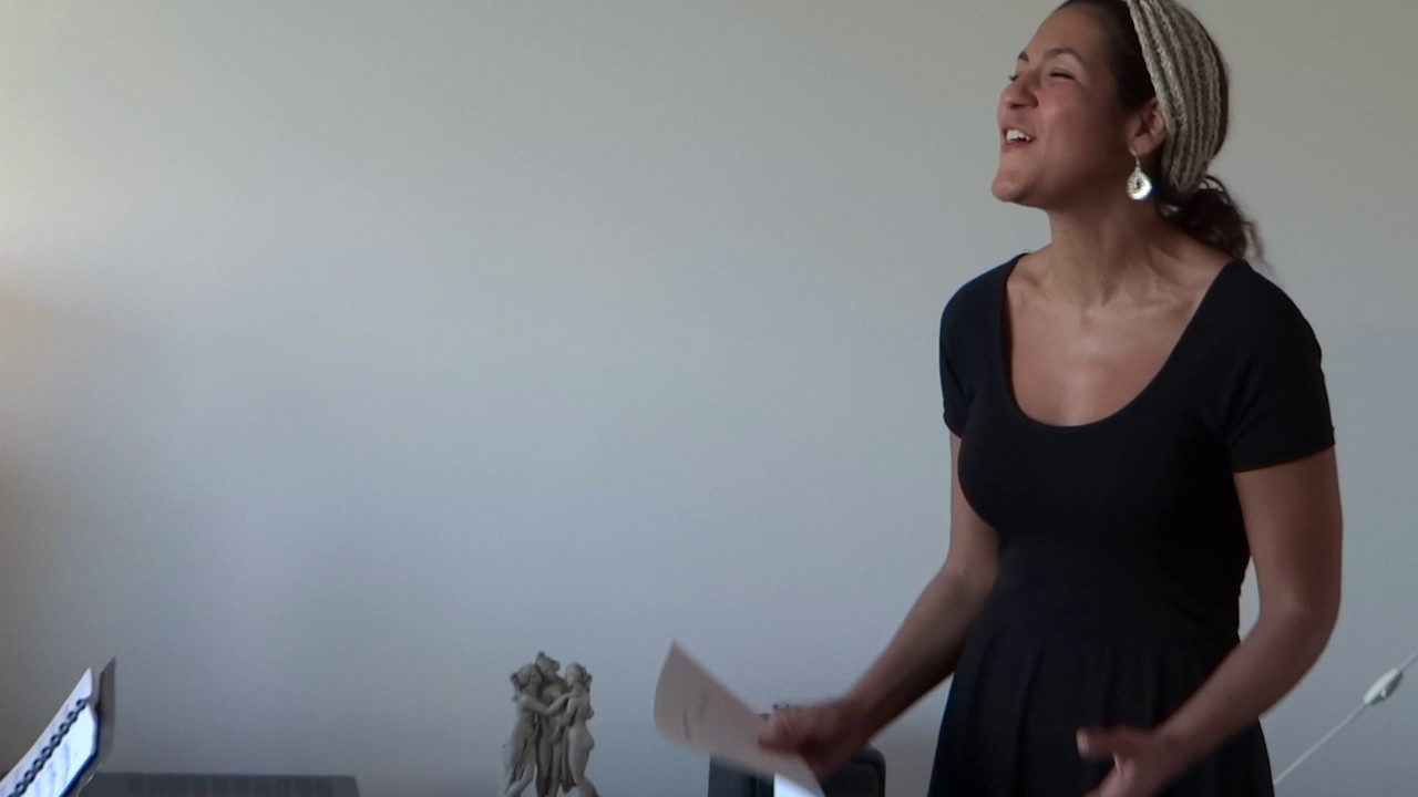 Kaïna Blada singing Variation of a Cycle from A Never-Ending Line