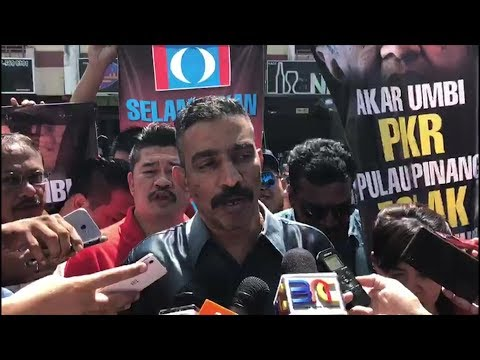 Group protests Dr Mahathir contesting under PKR logo