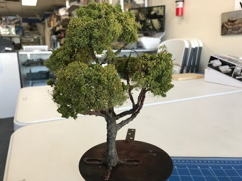 Building scale trees using Vallejo Earth texture for dioramas