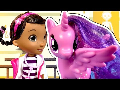 История Куклы Барби! Как Куклы спасают Май Литл Пони от Доктор Плюшева! Почему ее все боятся?