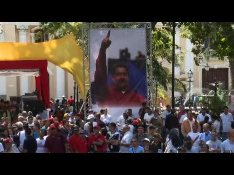Government supporters rally in Caracas to support Maduro