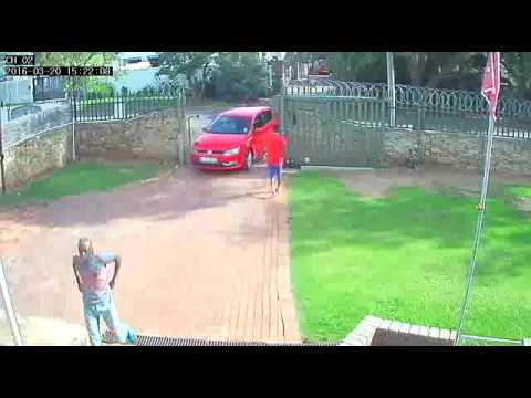 Watch Robbery in 5 minute caught Home security camera | CCTV footage Los Angeles, Ca, USA