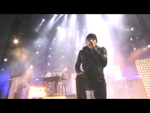13. Breaking The Habit  - Madrid 07.11.2010 [HD]