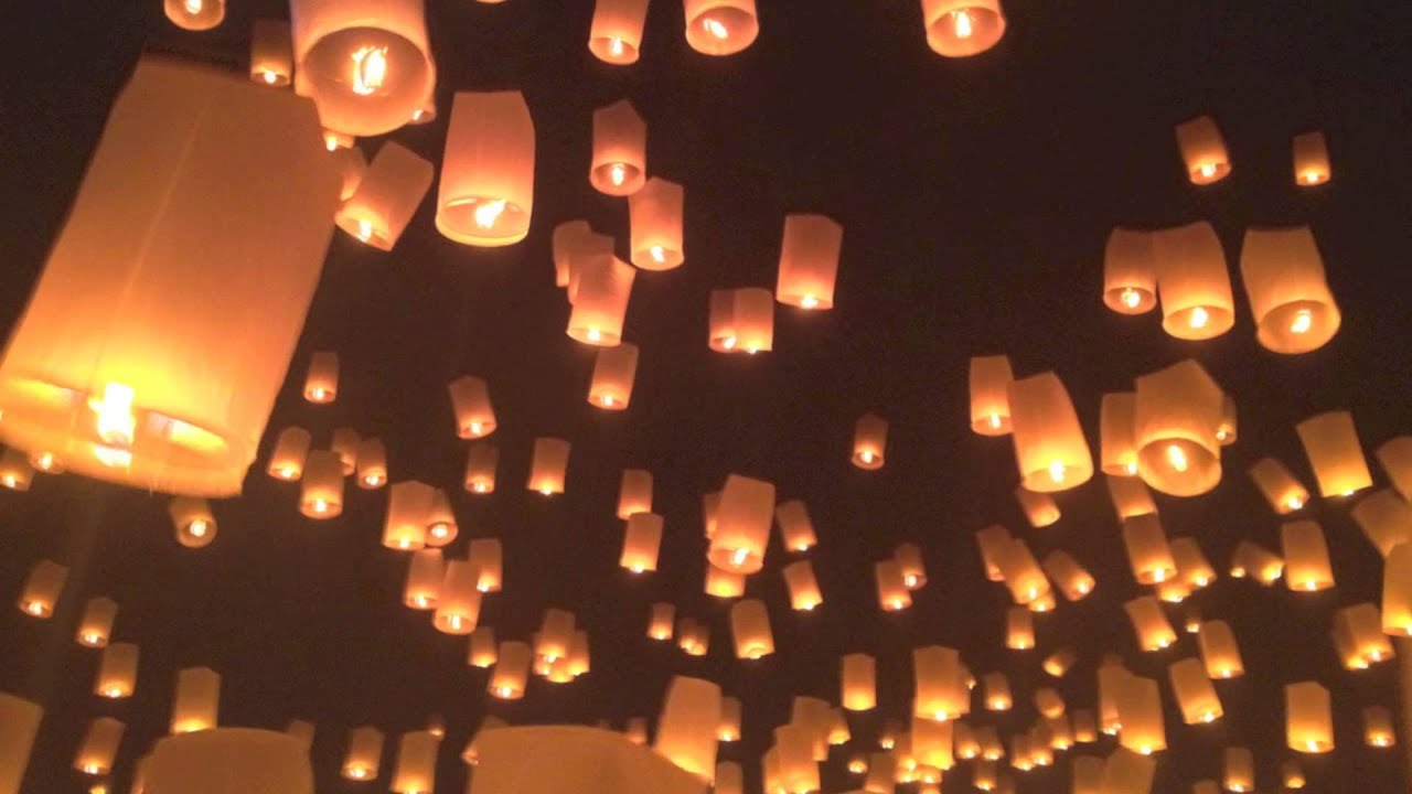 lanna yi peng floating lantern festival in chiang mai thailand