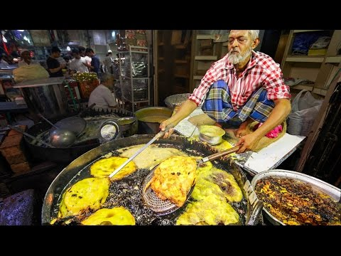 Indian Street Food Tour in Mumbai, India | Street Food in In