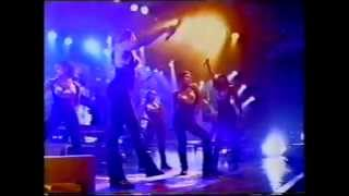 Salt N Pepa -  None Of Your Business featuring Mark Yates (Terrorvision) - Top Of The Pops