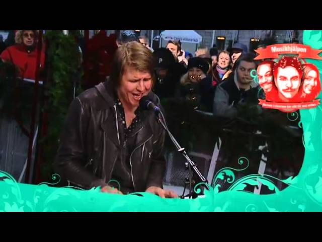 markus-krunegard-everybody-hurts-live-musikhjalpen-2012-poriel2