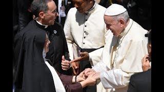 Đức Giáo Hoàng Phanxicô Madagascar - ĐTC chia sẻ bí quyết sống đời tu của mình