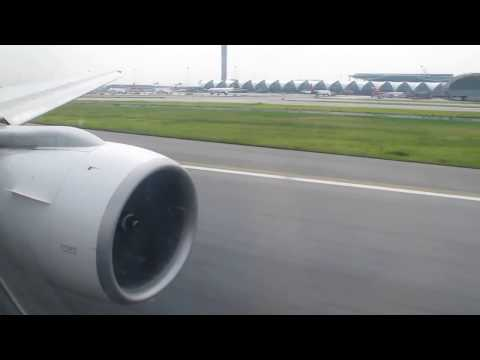 Thai Airways (Boeing 777-300) Take Off In Bangkok
