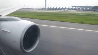 Thai Airways (Boeing 777-300) Take Off In Bangkok