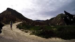 Descenso a velocidad vértigo bicicleta MTB BTT por Los Serranitos (Valle - Garruchal - Murcia)