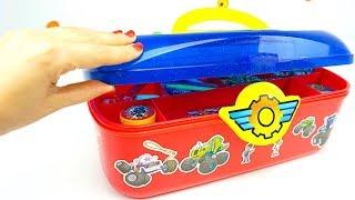 Вспыш и чудо машинки набор раскрасок и наклеек для детей