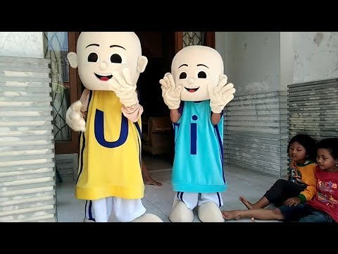 Qyla Menghibur Temannya Nari KUN ANTA Versi Melayu - Dibalik Kostum Badut Upin & Ipin Asik Lucu