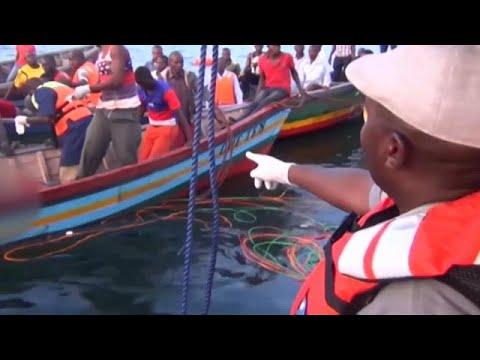 Centenas mortos em tragédia no lago Vitória