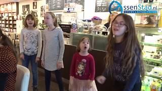 Liedjescafé bij Doppio in Assen