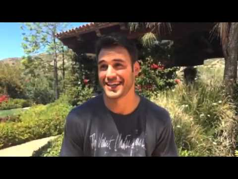 187 So Bello Ryan Guzman Joins The Cast Of Jem And The