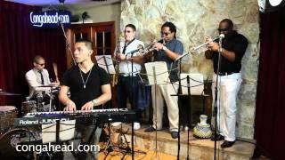 Gerardo Contino performs Siempre Latino