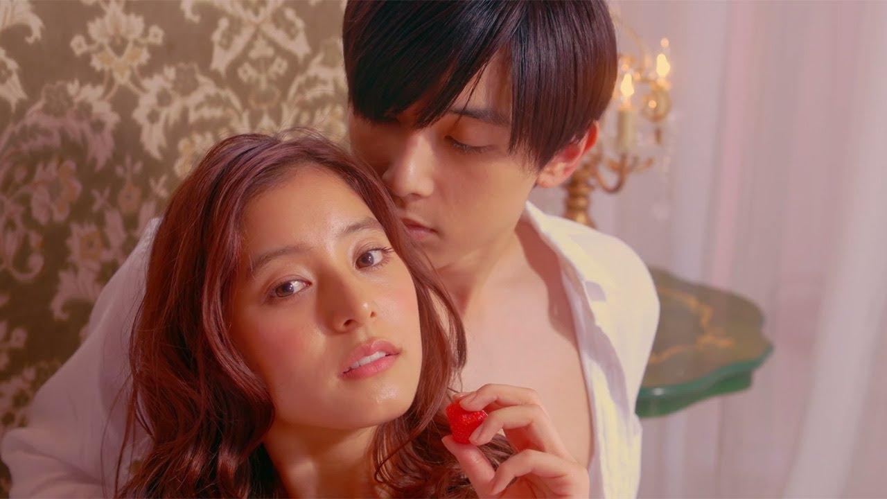 吉沢亮 新木優子と ランジェリー広告撮影 主題歌はnissyの書き下ろし