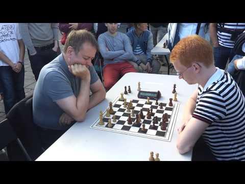 Blitz match GM Hjartarson vs IM Gretarsson, game 1