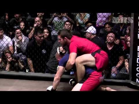 MMA broken arm, nasty arm bar break!