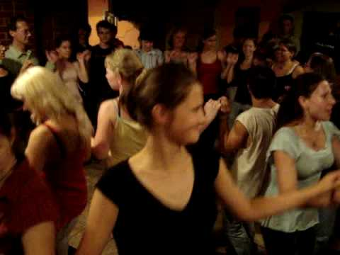 Session - France's (Brittany's) song and dancing