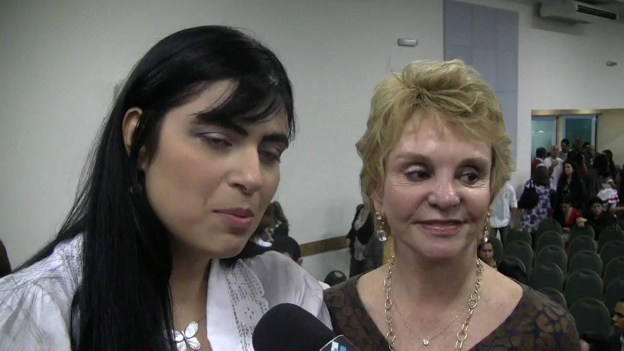 Fernanda Brum - Entrega do CD de Ouro - Entrevista ao Conexão Gospel