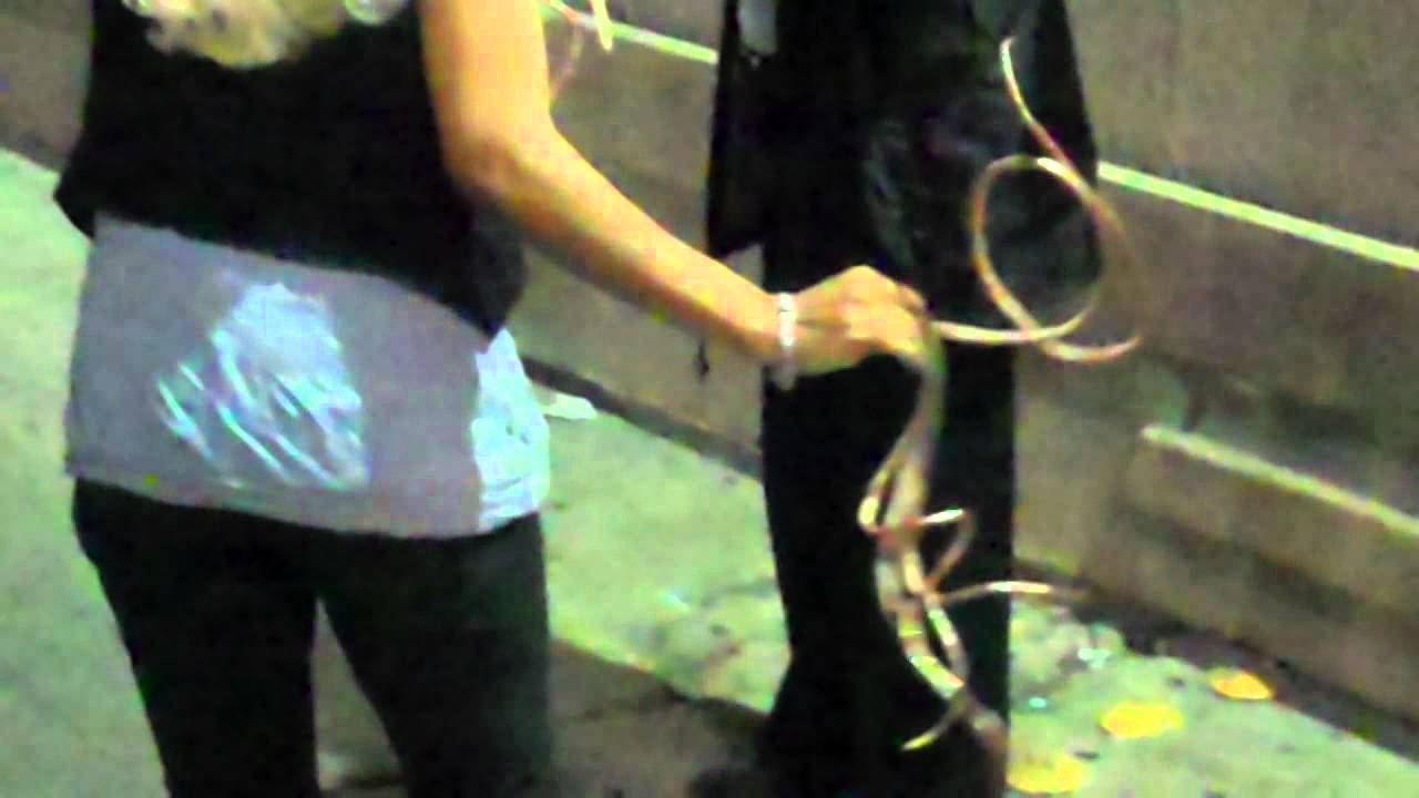woman with extremely long fingernails in hollywood - YouTube
